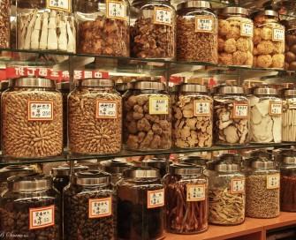 chinese-herbs-jars